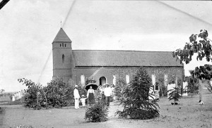 Paul Komba NN, kerk Utengule
